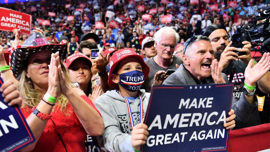 民調:特朗普支持率領先拜登 優勢或遠超2016