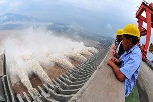 洪峰向下游推進 三峽大壩卻加大洩洪 專家揭底