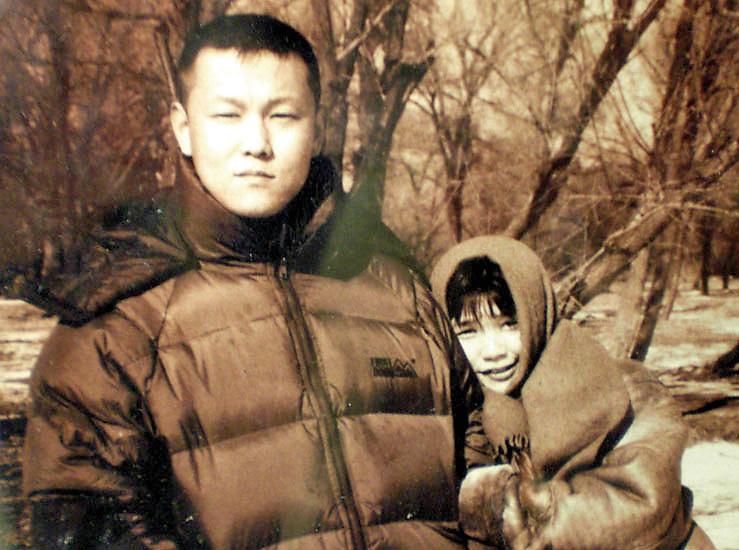 北京畫家許那兩次坐冤獄共八年,現在又被中共綁架。(明慧網)