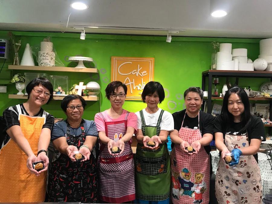 由一班撐本地生產的天水圍女士參與的社區經濟計劃「天姿作圍」團隊。(受訪者提供)