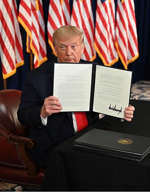 美國總統特朗普8月8日宣布簽署了四項救助令。( Getty Images)