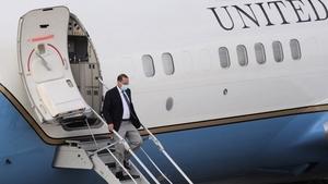 美衛生部長高規格訪台 兩艘航母做「保鏢」