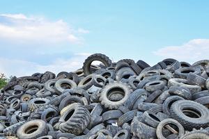 新研究用舊輪胎鋪路