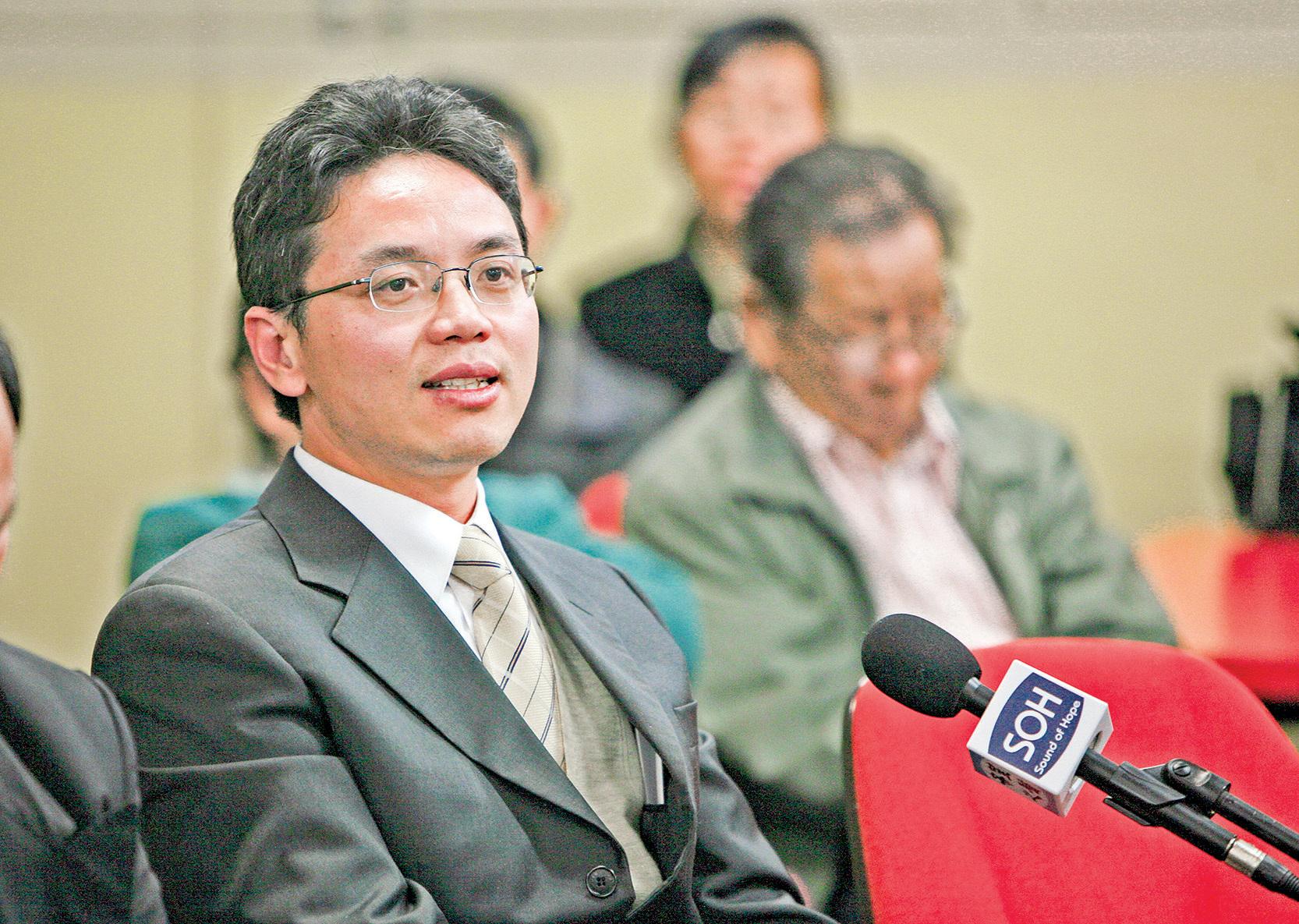前中共外交官陳用林先生表示,中共拿下香港後,下一個目標就是台灣。(陳明 / 大紀元)