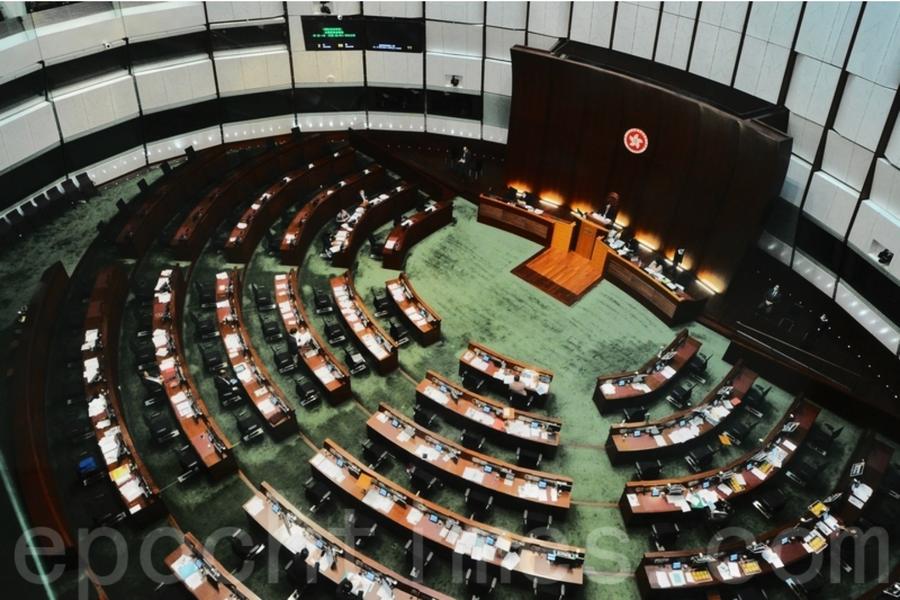 中共人大再通過涉港議案現屆立法會議員全部延任一年