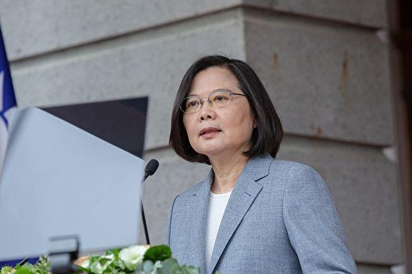 8月12日,台灣總統蔡英文在民進黨中常會前針對香港情勢發表談話,譴責港府拘捕黎智英等人。(台灣總統府)