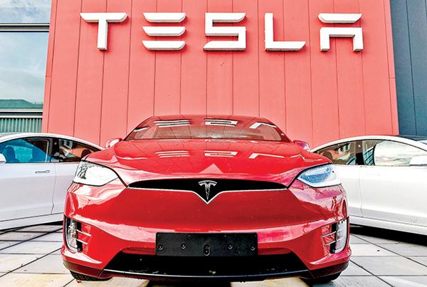 特斯拉在荷蘭阿姆斯特丹的一個汽車展示及服務處。(Getty Images)