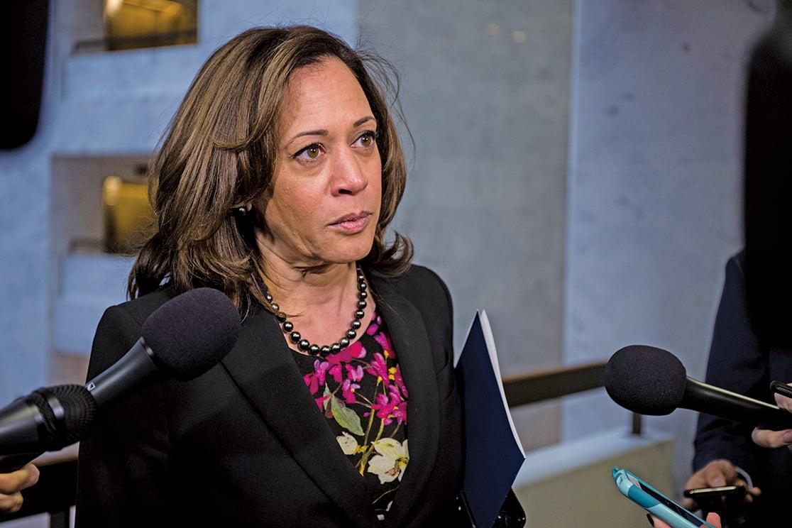美國加州聯邦參議員賀錦麗(Kamala Harris)2018年12月4日在國會山接受媒體採訪。(Getty Images)