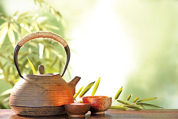 「一碗清茶,解解解元之渴」;下聯怎生妙對呢?(Shutterstock)