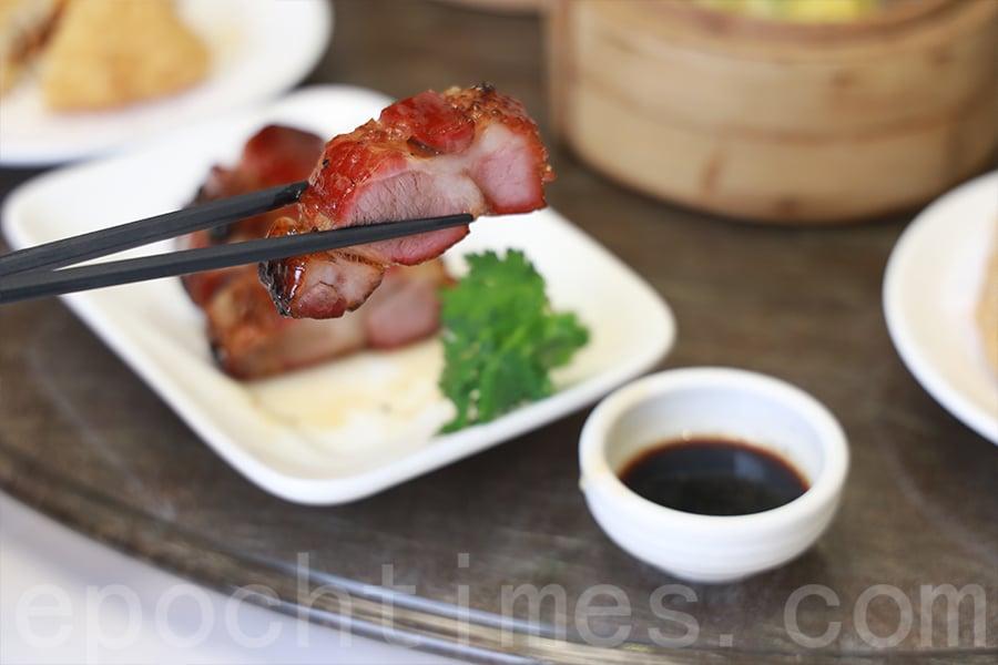 「第一叉」肥瘦均勻,肉質細嫩,厚切入味。(陳仲明/大紀元)