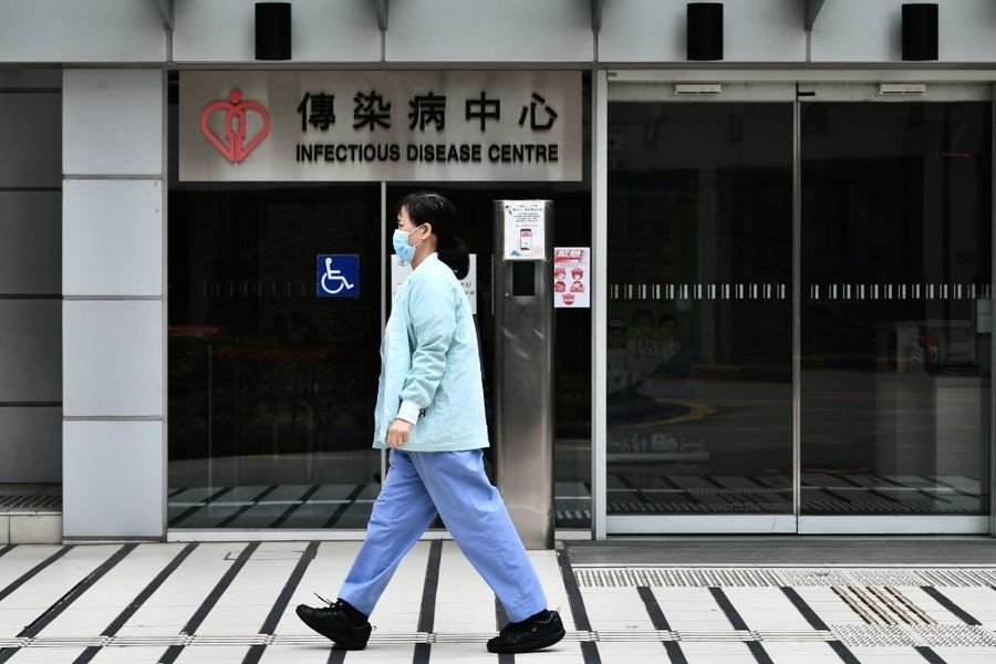 今年香港已出現62例耳念珠菌個案,其中60%在仁濟醫院爆發。呼吸系統科專科醫生梁子超指出,這種病菌十分頑強,很難在環境中殲滅,有社區傳播的可能。(ANTHONY WALLACE/AFP via Getty Images)