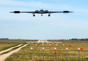 中共台海軍演 美部署最先進B-2轟炸機應對