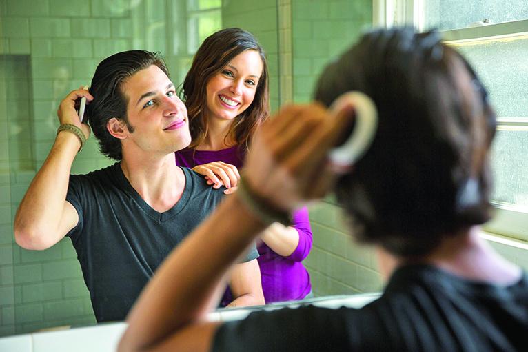 平常使用護髮產品,讓自己的頭髮更健康。