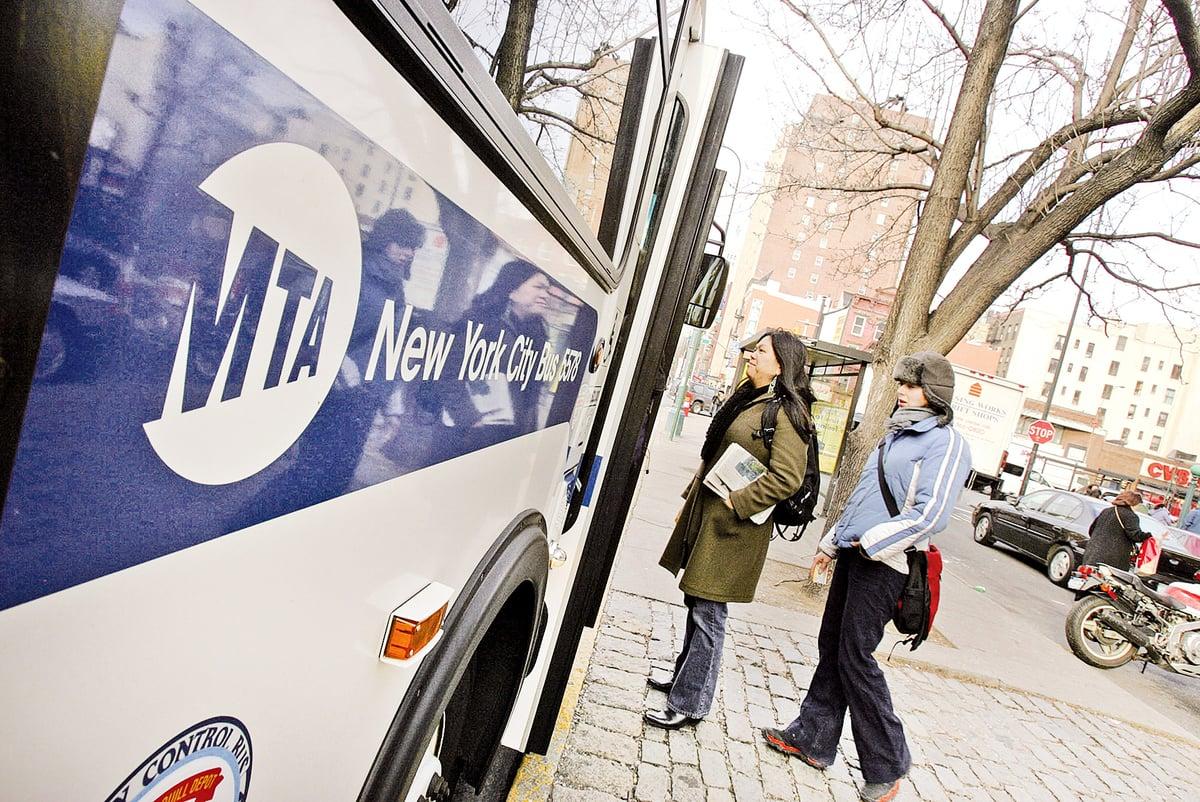紐約的巴士(Daniel Barry/Getty Images)