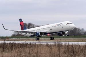 電腦系統癱瘓 達美航空公司全球航班延誤