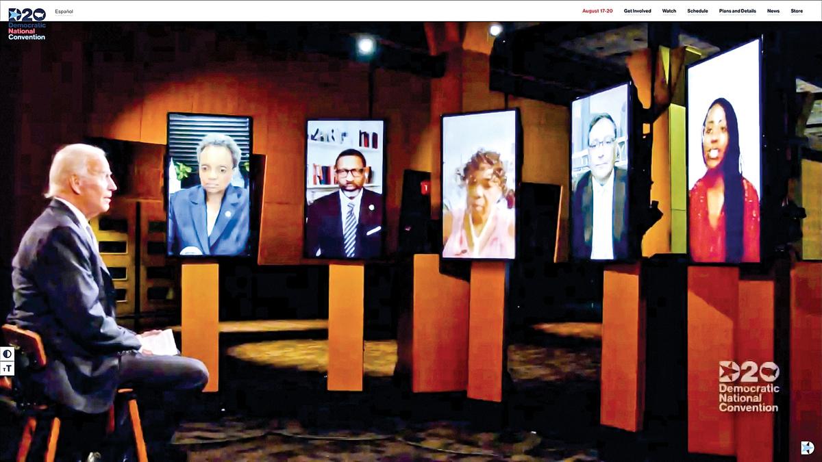 民主黨總統候選人拜登17日和多名政要進行視頻對話。
