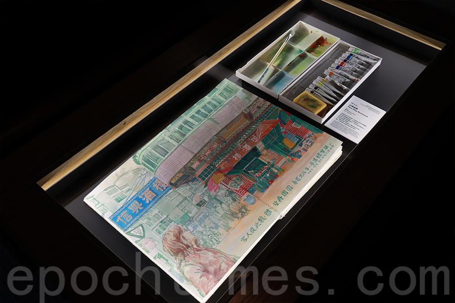 冰室的餐桌變成展示櫃,為藝術家提供場地舉辦展覽。(陳仲明/大紀元)