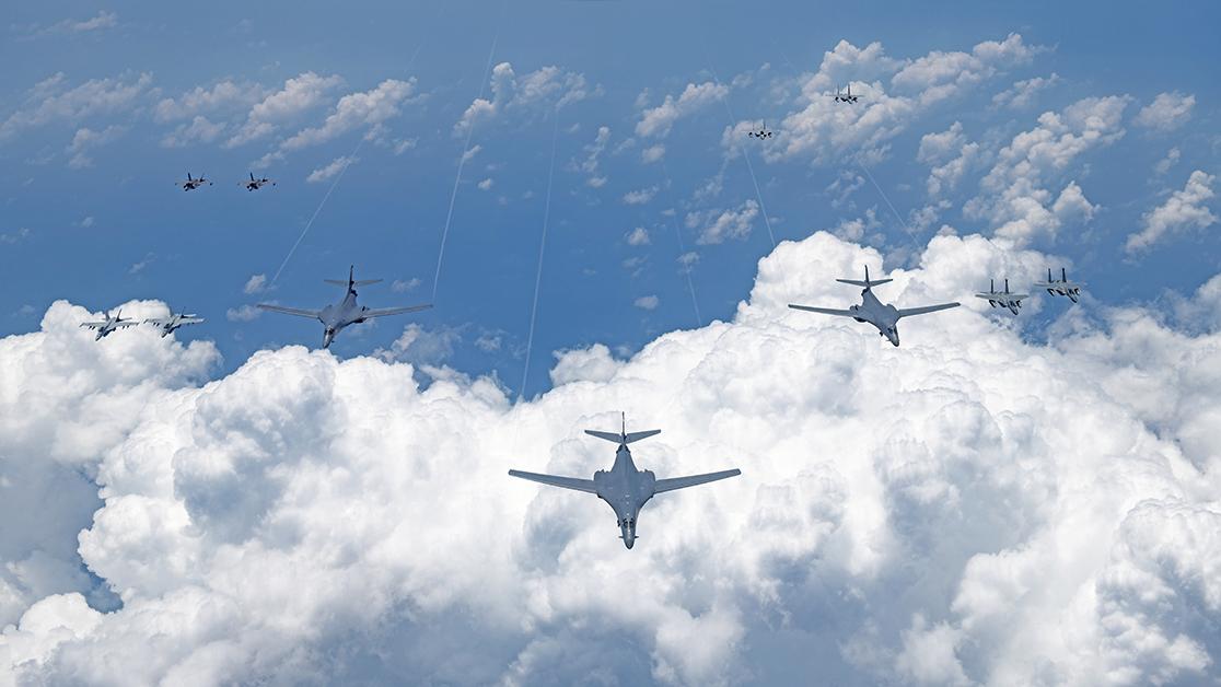 2020年8月18日,美國空軍、海軍、海軍陸戰隊和日本航空自衛隊進行了大規模的聯合演習。(U.S. Air Force)