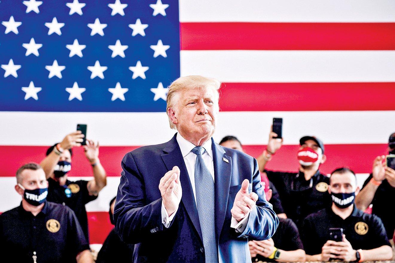 特朗普總統18日晚在亞利桑那州集會。(Getty Images)