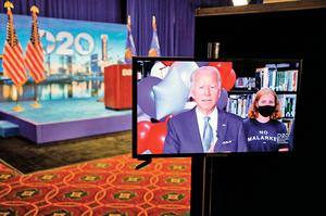 拜登正式獲民主黨候選人提名 與特朗普對決