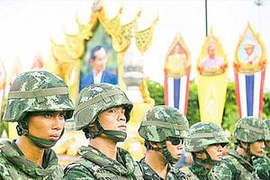 軍人干政事例不斷  制度傳統原因深刻