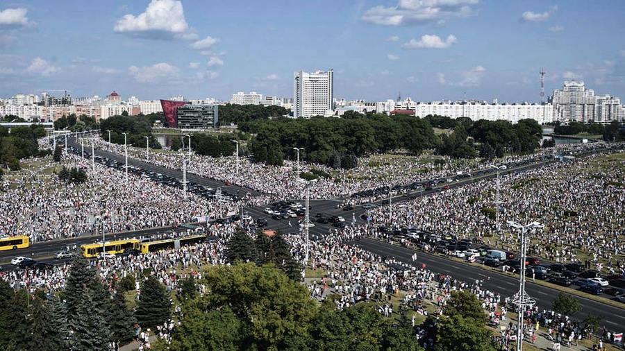白俄20萬人集會反極權   央視卻稱民眾「撐政府」