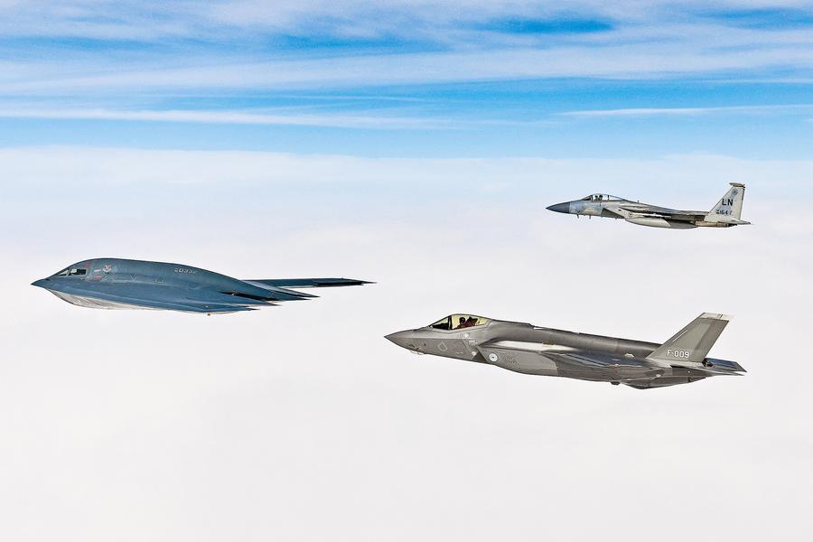 空中隱形戰術演習 美軍隱形戰機精銳盡出
