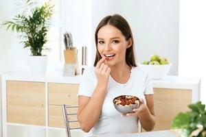 每日堅果、種子份量你吃對了嗎? 當零食、點心吃小心造成身體的負擔