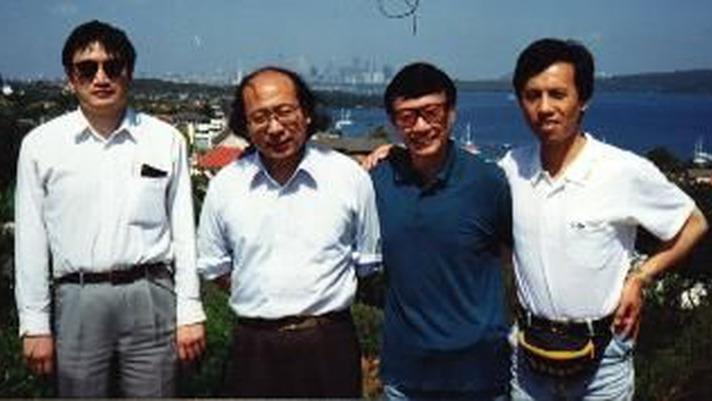 馬大維(右二)在90年代初屬海外民運核心人物。圖為民主人士秦晉(右一)、楊中美(左二)、趙南(左一)與馬大維在1993年合照。(網絡圖片)