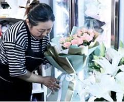 【圖片新聞】寧姐妹開花店十幾年  今年七夕生意特別火