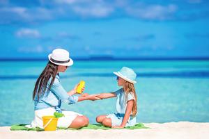 夏日戲水做好皮膚防曬  勿輕忽紫外線的殺傷力