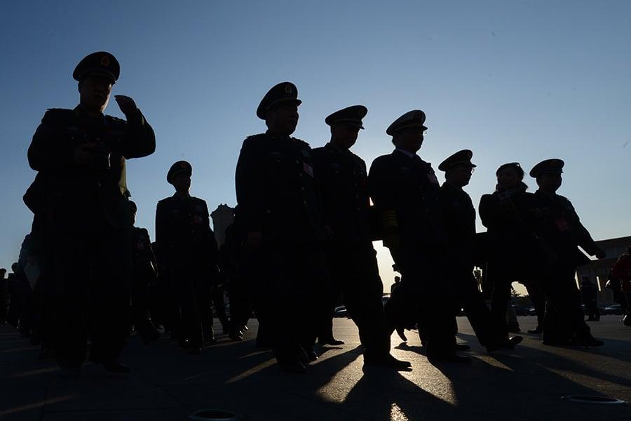 近日中共喉舌新華社和軍報聯手推出軍改長篇,罕見披露習近平批中共軍隊已無法作戰,就是作戰也無法打勝戰,到了不得不改的危機時刻。(AFP)