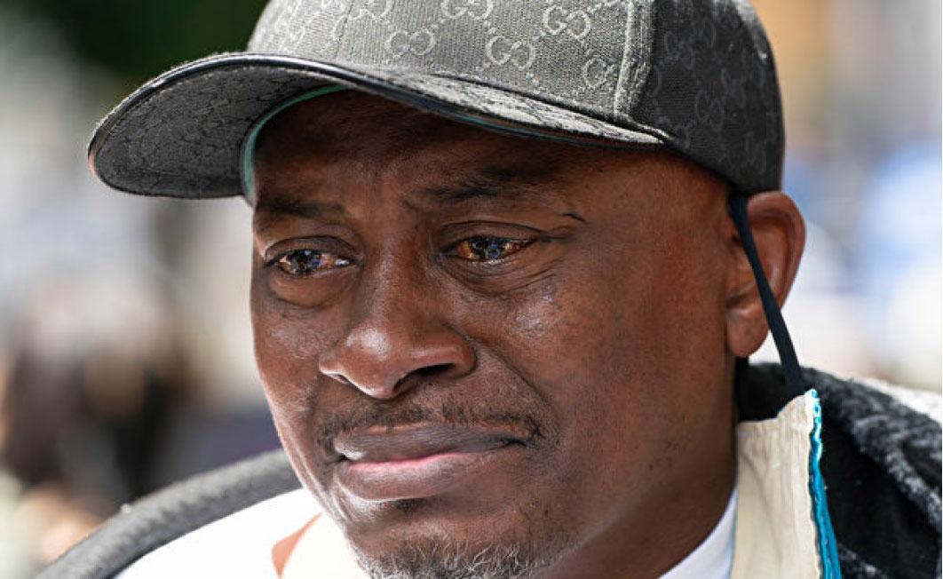 19歲的非裔青年小霍勒斯的父親安德森起訴當地政府,要求30億美元賠償。(Getty Images)