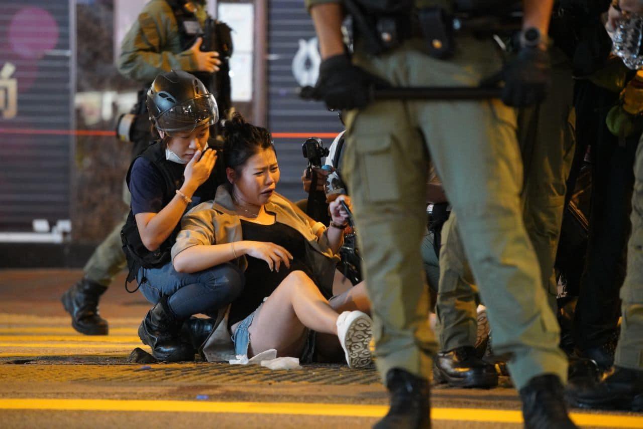 8月31日晚上10時許,有孕婦在亞皆老街西洋菜南街交界處被警員推倒。( Studio Incendo (CC BY 4.0))