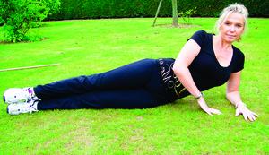 每週兩次側躺抬腿   消除大腿多餘脂肪