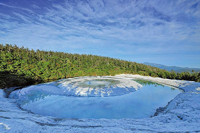 日本神秘湖泊「龍之眼」 演繹龍的傳說