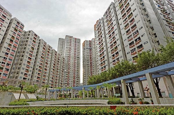 香港9月6日晚間,在一個半小時內先後發生3宗墮樓案件,3人死亡。圖為香港屋苑。(大紀元資料圖片)