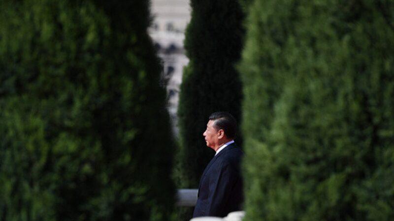 習近平近日一口氣連說五個「絕不答應」,前中共中央黨校教授蔡霞表示,美國切割中共和中國人民讓習害怕,擔心「混不下去了」。(GREG BAKER/AFP/Getty Images)