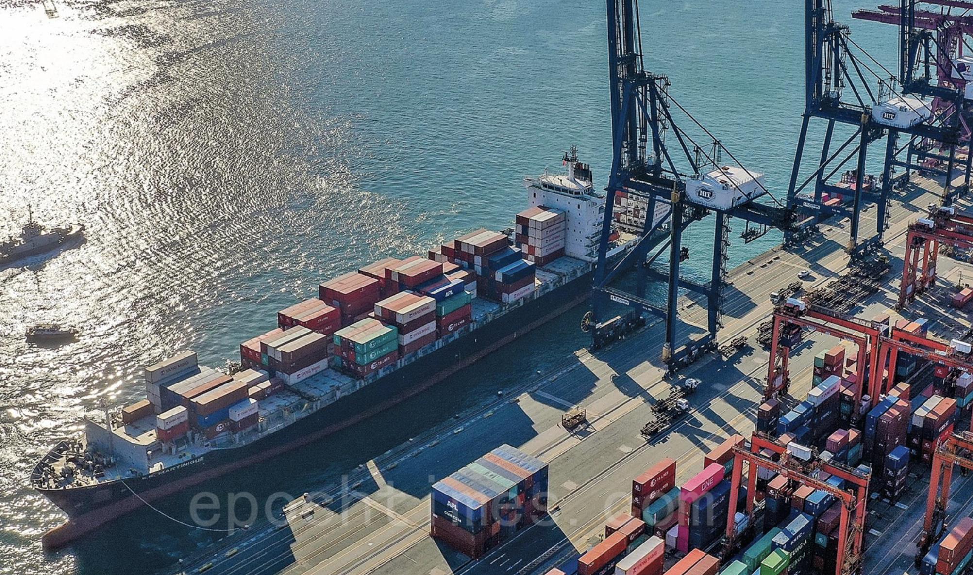 「香港製造」改「中國製造」的影響已開始浮現。圖為香港國際貨櫃碼頭的進出口口岸。(大紀元資料室)