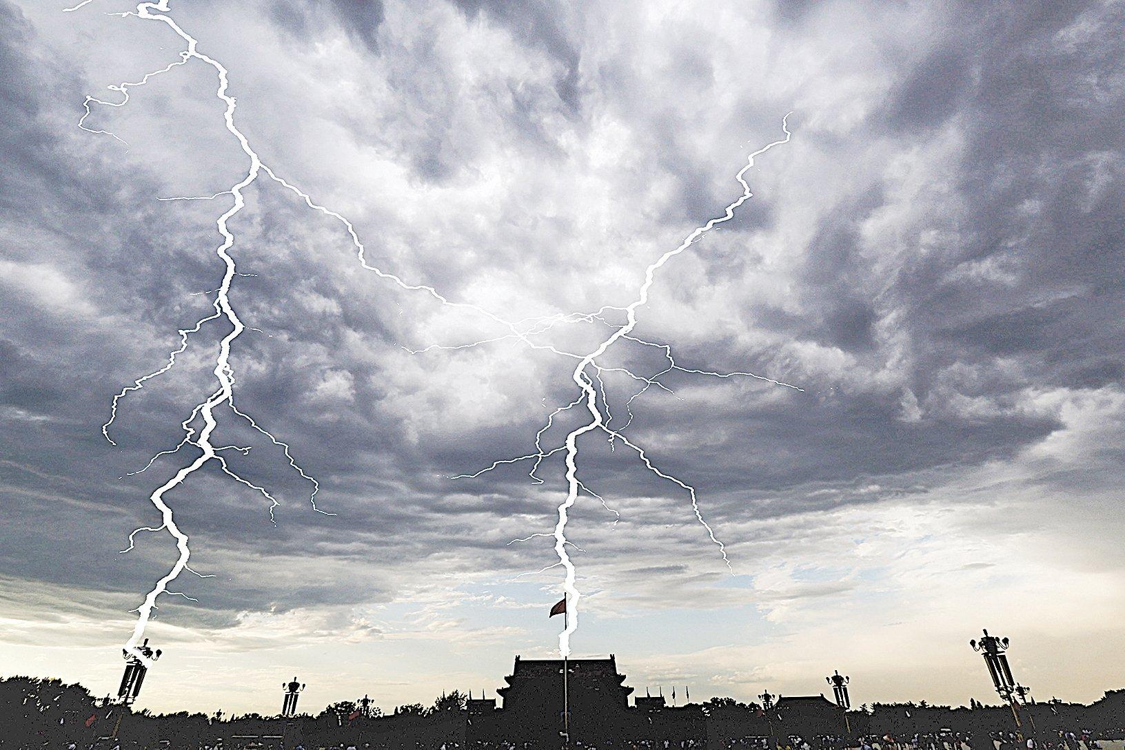 9月3日,在中共紀念抗戰座談會上,習近平連稱五次「絕不答應」,貌似強硬,實則透露了中共面臨垮台的恐懼。(Feng Li/Getty Images)