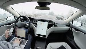 特斯拉自動駕駛軟件升級 增加自動辨識功能