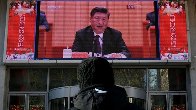 有法媒說,習近平若相信黨媒的宣傳,將面臨著自高處摔落的危險!( AFP/Getty Images))