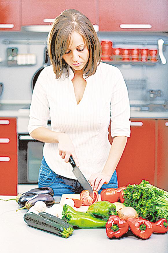 製作沙律時,要特別注意刀具的清潔。