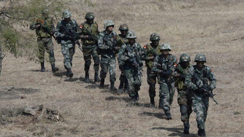 印度政府考慮推遲與美、日的年度「馬拉巴爾」聯合軍演,全力對抗中共。印度外長蘇傑生9月8日抵達莫斯科,將與中共會談,結果將關係未來走向。示意圖 (INDRANIL MUKHERJEE/AFP via Getty Images)