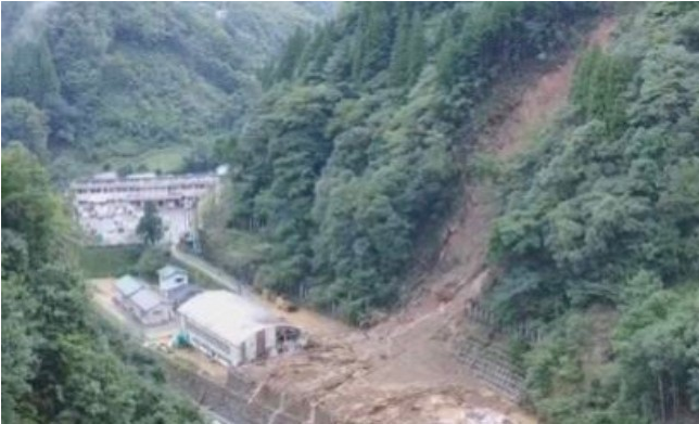 9月6日,颱風海神襲擊日本九州,造成2人死亡96人受傷4人失蹤。(網絡截圖)