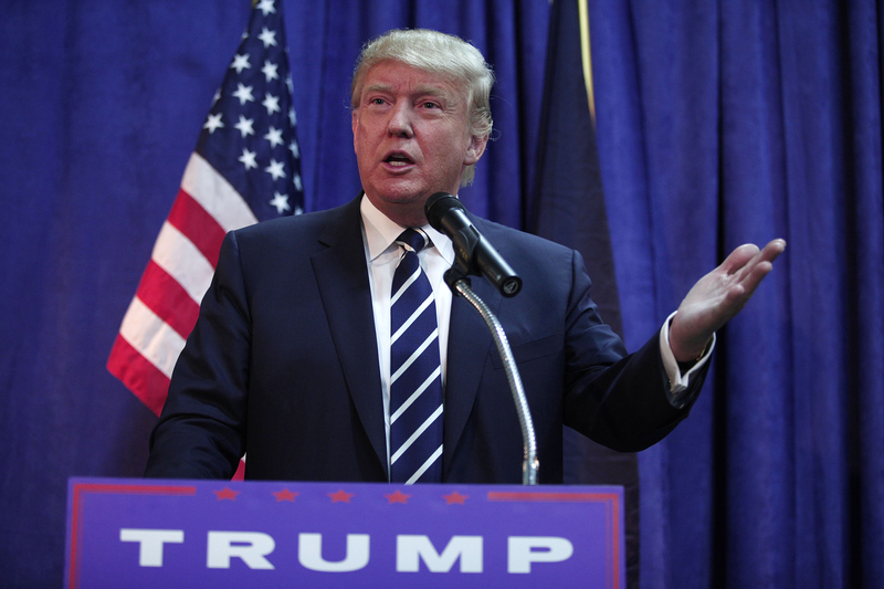 特朗普近來頻頻失言,他在民意調查中的支持率不斷下跌。(Bill Pugliano/Getty Images)