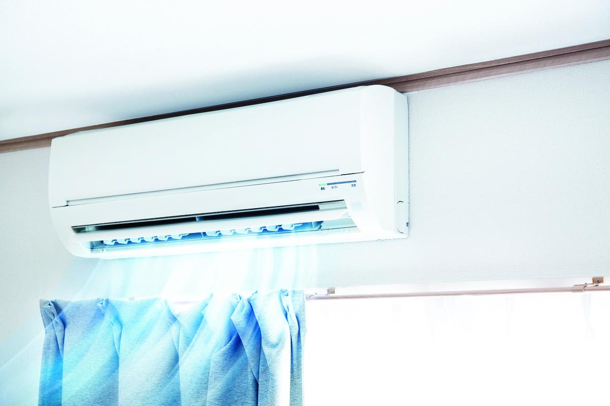 使用冷氣時,要注意換氣率。