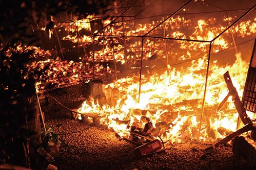 希臘摩利亞(Moria)難民營接連發生大火,超過1.2萬尋求庇護者無處避難。(Getty Images)
