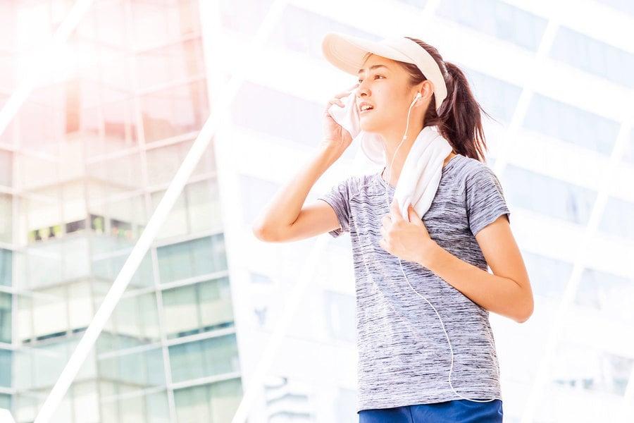 汗如雨下真擾人 中醫療法有效改善多汗症