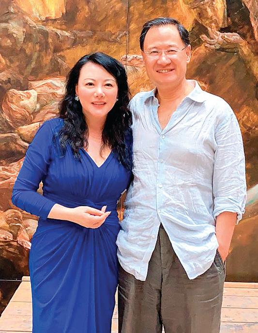 耿瀟男(左)與原清華大學教授許章潤合照。(耿瀟男提供)
